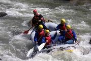 Kayak sur la descente de l'Arve